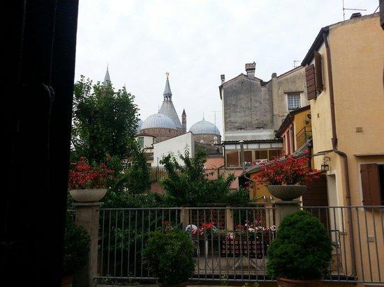 Hotel Al Santo : Camera 108 con vista sulla Basilica......uno spettacolo! !!!