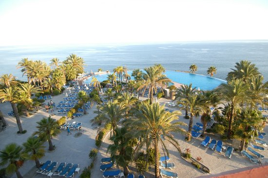Playacalida Spa Hotel: vista piscina y playa