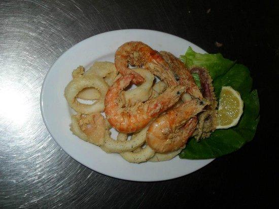 Ristorante Pizzeria La Capannina: Frittura di gamberi e calamari