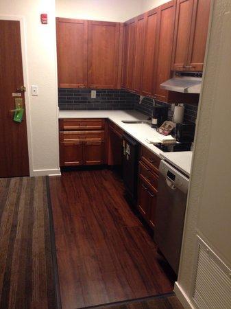 HYATT house Parsippany-East : Kitchen