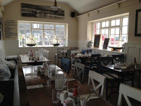 The Boatyard Restaurant: Dining room