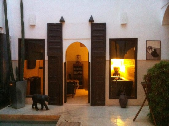 Riad Dar Massai: Common Living Room / Den