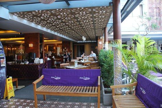 Hotel Horison Seminyak: ресторан