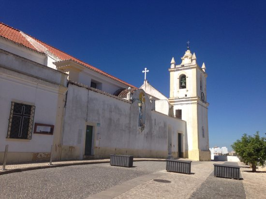 Vila Castelo Tradicional: Church