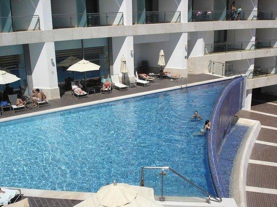 Sesimbra Hotel & Spa: Piscina vista do 8º andar