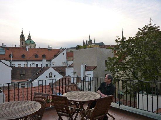 lovely rooftop terrace picture of hotel pod vezi prague. Black Bedroom Furniture Sets. Home Design Ideas