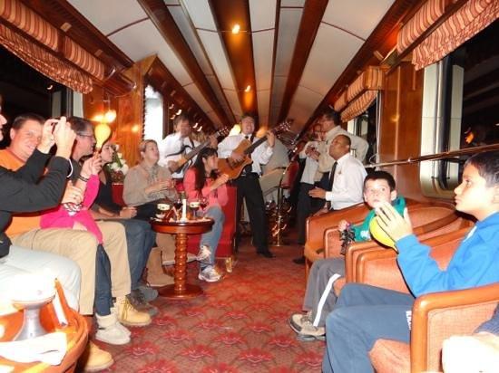 Train Hiram Bingham : En el vagon bar