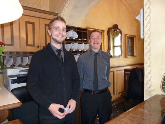 Hotel Pod Vezi: Super staff