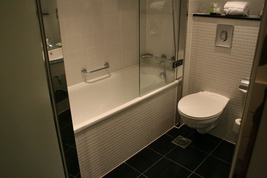 Copenhagen Island Hotel : Bathroom