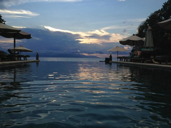 Puri Mas Boutique Resort & Spa: Infinity pool
