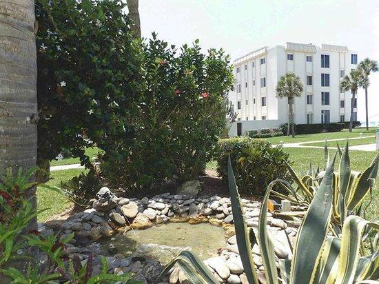 Island House Beach Resort : Fountain