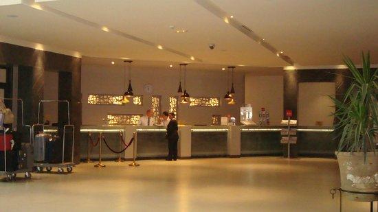 Hôtel Palm Azur : la réception