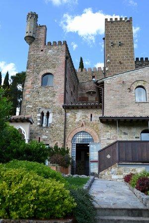 Castello di Monterone: Il castello