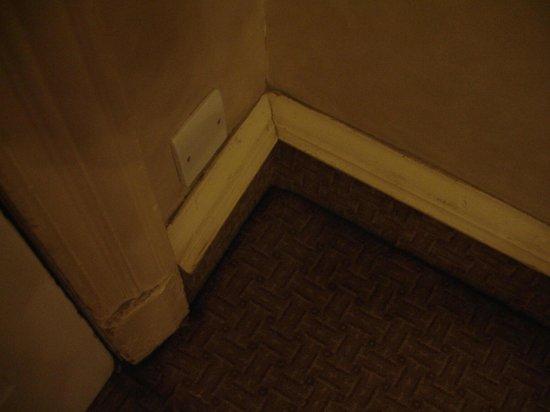 Millennium Hotel Glasgow: Dirty