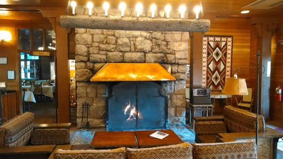 The Lodge at Bryce Canyon: Fireplace in the main lodge