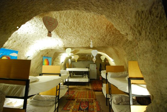 Pilot Inn: 9 bunk beds in cave