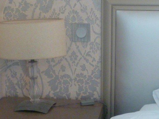 Monceau Wagram Hotel: Chevet et t^te de lit