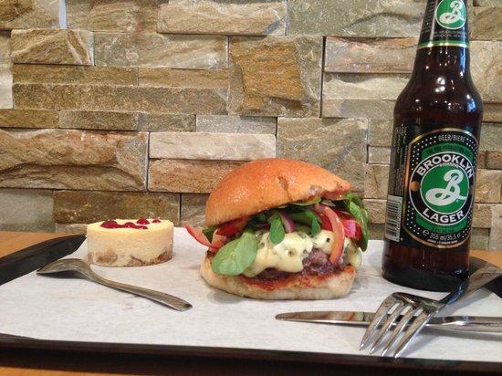 """Mobster Diner: """"The French"""" accompagné d'un Chessecake traiteur et de la fameuse Brooklyn (bière de caractère)"""