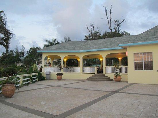 Turquoise Bay Dive & Beach Resort: hotel