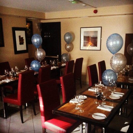 Essence Bistro: Prefect place for parties,business lunches or just catching up with friend 