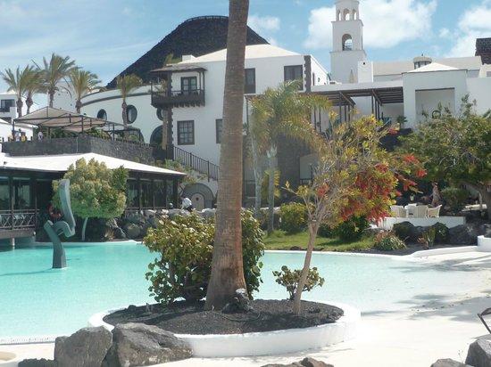 Marina Rubicón: Hôtel El volcan situé à quelques mètres