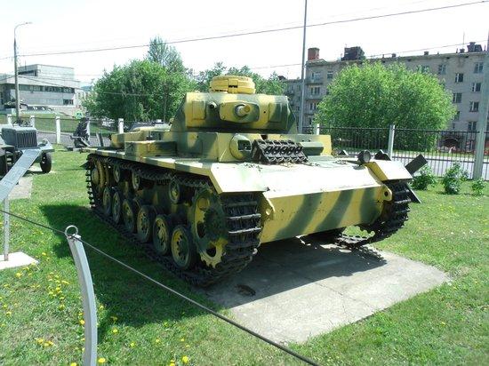 Victory Park: Pannzerkampfwagen III - paintworks a bit lurid!