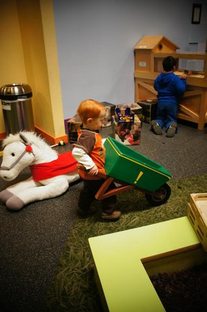 Pretend City Children's Museum : Farm Exhibit