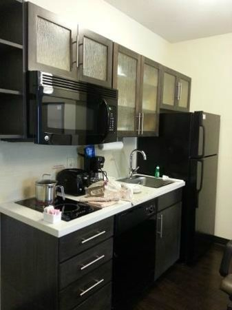 Candlewood Suites Arundel Mills / BWI Airport: Candlewood suites the nice kitchen