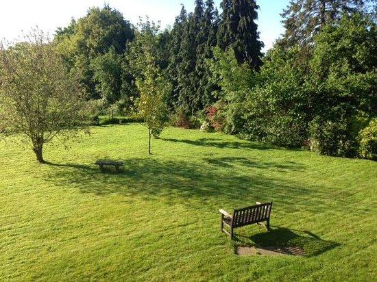 Little Gables : garden view