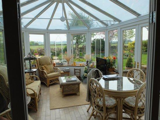Rowan House: Lovely solarium
