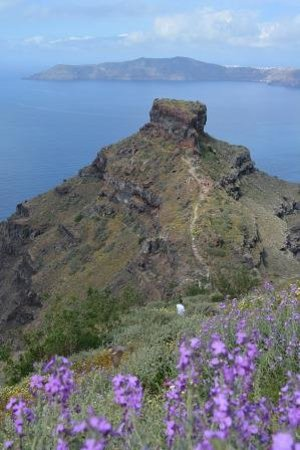 Skaros Rock: View from the path