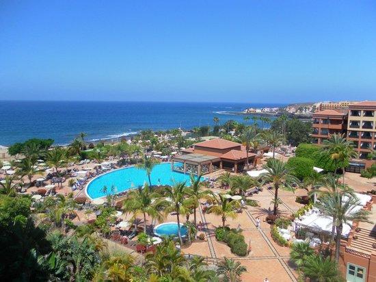 H10 Costa Adeje Palace : vue de la terrasse de la chambre