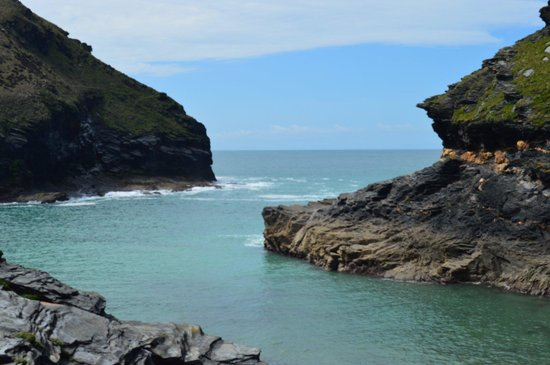 Boscastle Visitors Centre : The Atlantic