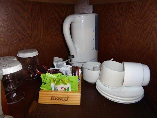 The Charles Stewart Dublin: Tea area inside the room