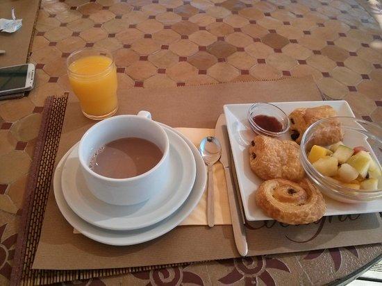 Le Mas de Cocagne: petit dejeuner
