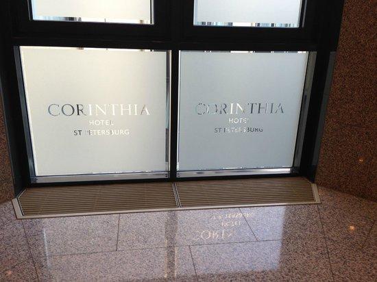 Corinthia Hotel St. Petersburg: Porta