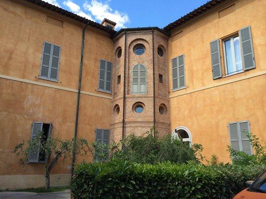 Palazzo Galletti Abbiosi: Vista del palazzo dal cortile interno