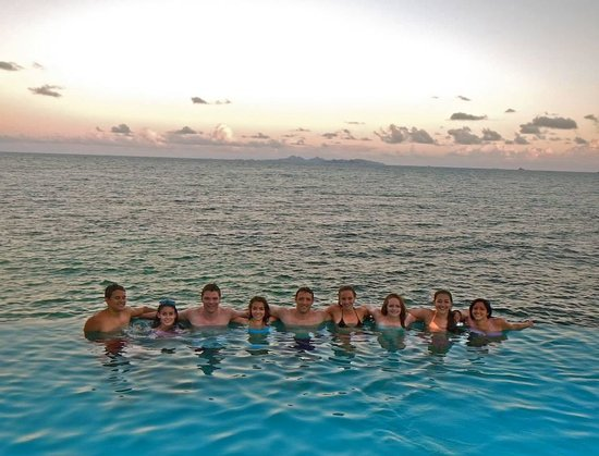 Oyster Bay Beach Resort: Ending the day in the hotel infinity pool