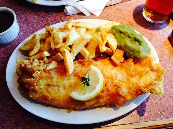 Brixham Fish Restaurant & Takeaway: This is by far the best fish and chips we have had for a long time great service and plenty of i