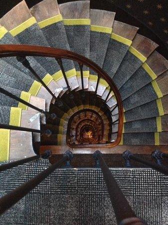Hôtel Joyce - Astotel : spiral staircase