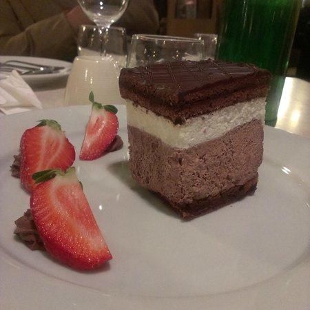 Menza : hungarian cake, costo meno di 1000 fiorini
