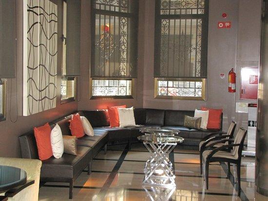 H10 Montcada Boutique Hotel: hotel lobby