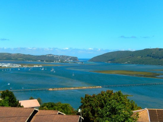 Villa Afrikana Guest Suites: view to the Knysna Heads