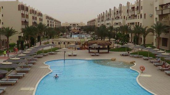 Nubia Aqua Beach Resort : вид на территорию отеля с горки аквапарка