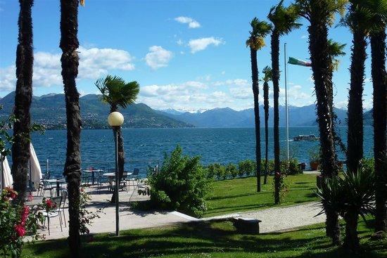 Regina Palace : View across lake