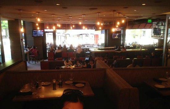 Del Frisco's Grille: Restaurant quite empty at 6.15pm,