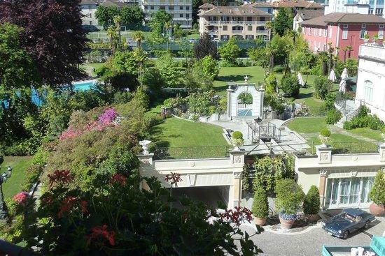 Regina Palace : View of garden at rear of hotel