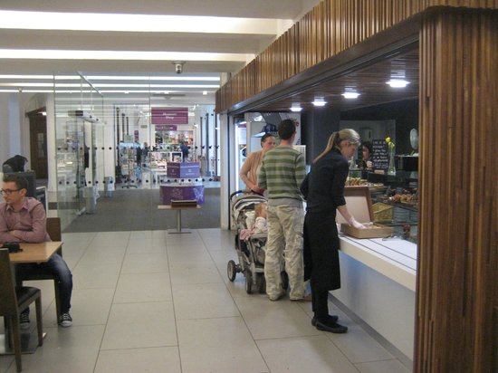 Ulster Museum : Counter & Gift shop