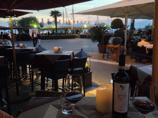 Café Italia: Abendstimmung