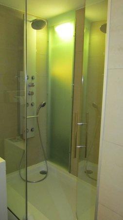 Barcelo Costa Vasca: душ